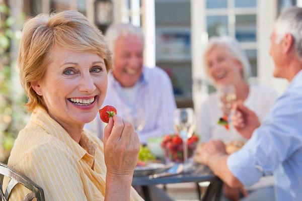 Triệu chứng cảnh báo bệnh sa sút trí tuệ ở người già