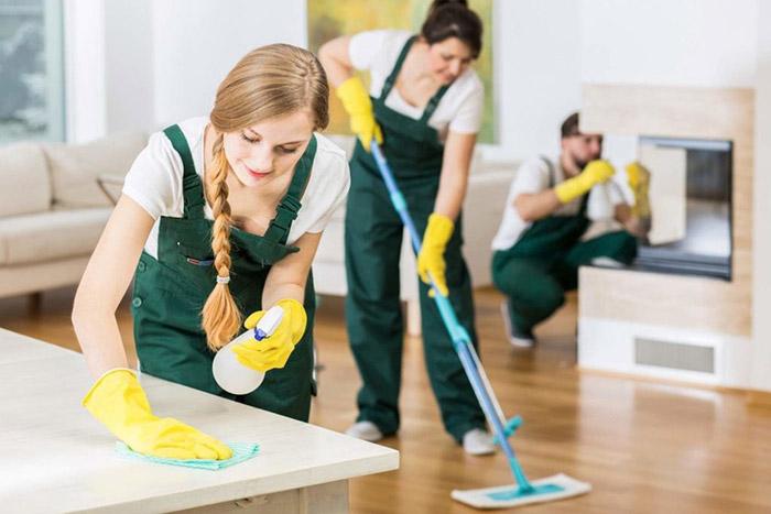 Giúp việc là một trong những việc làm thêm dành cho sinh viên có thu nhập tương đối cao