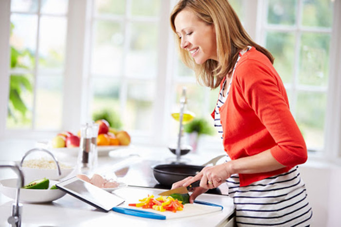 Giúp việc nấu ăn ngon là một trong những tiêu chí để chủ nhà lựa chọn